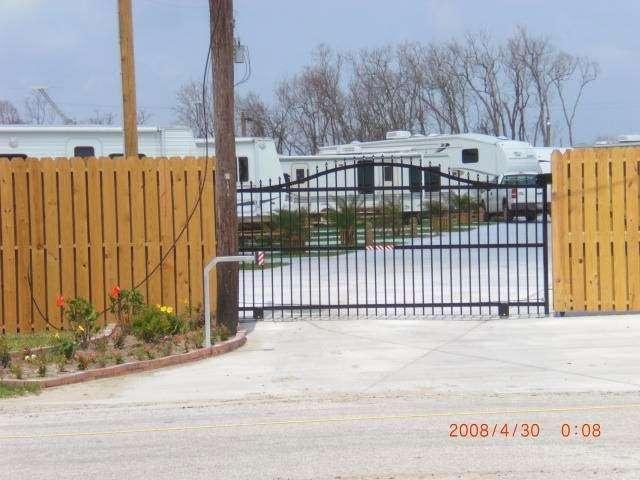 Paulas Vineyard RV Resort - rv park  | Photo 1 of 10 | Address: 1250 N Crystal Beach Rd, Port Bolivar, TX 77650, USA | Phone: (409) 684-9970