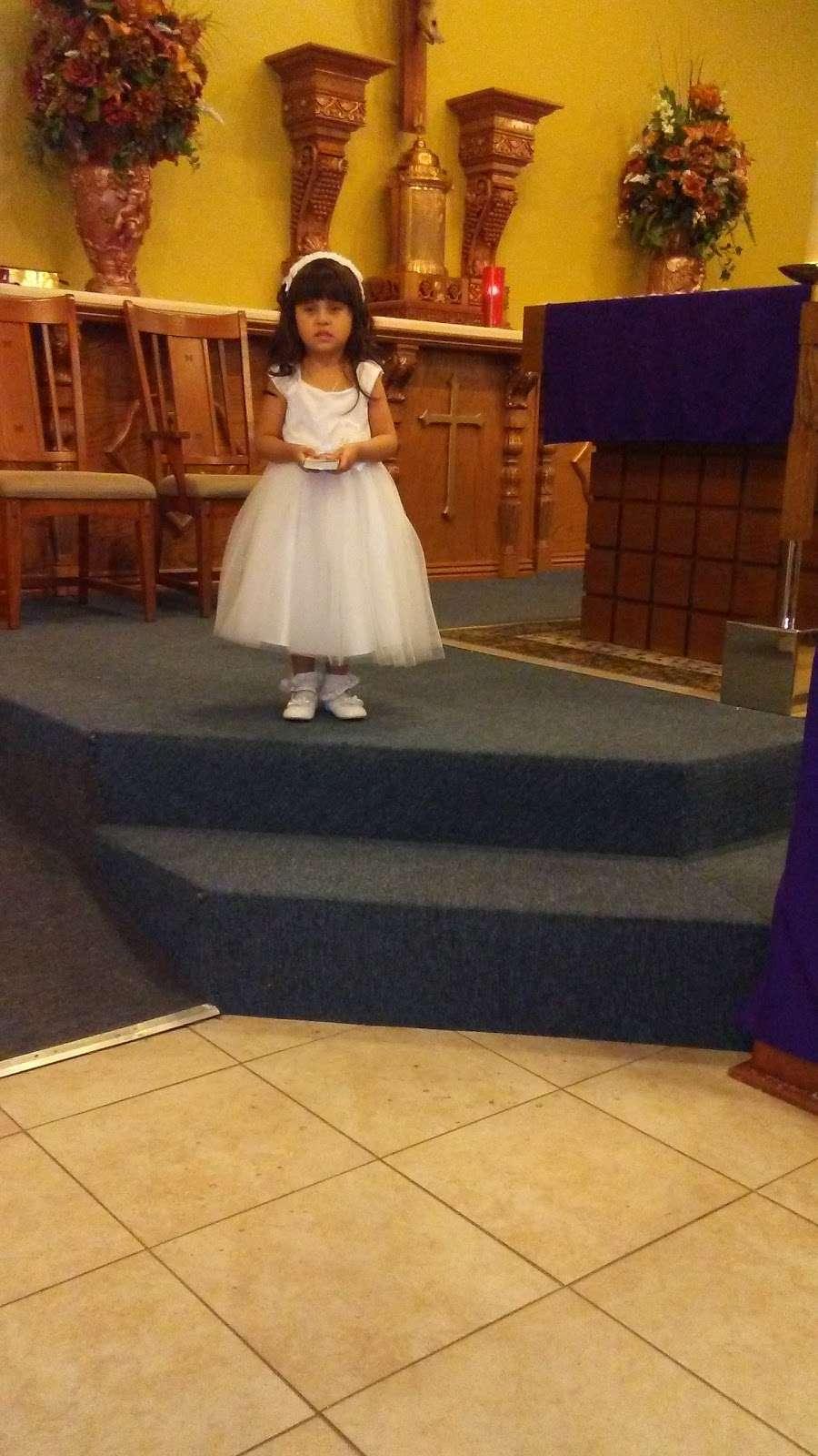 Saint Williams Catholic Church - church    Photo 5 of 9   Address: 11025 W 3rd St, Cashion, AZ 85329, USA   Phone: (623) 936-6115