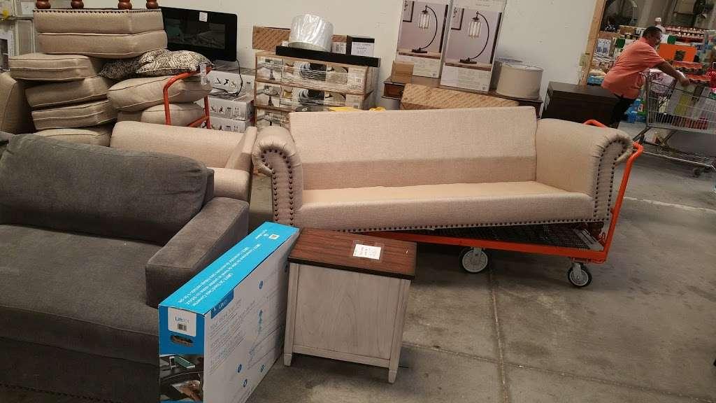 HD Wholesale - furniture store  | Photo 9 of 10 | Address: 3036 Kananwood Ct #1016, Oviedo, FL 32765, USA | Phone: (407) 716-0725
