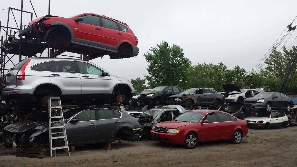 Hilltop Auto Salvage - car repair    Photo 5 of 5   Address: 4157 Boston Rd, Bronx, NY 10466, USA   Phone: (718) 324-0706