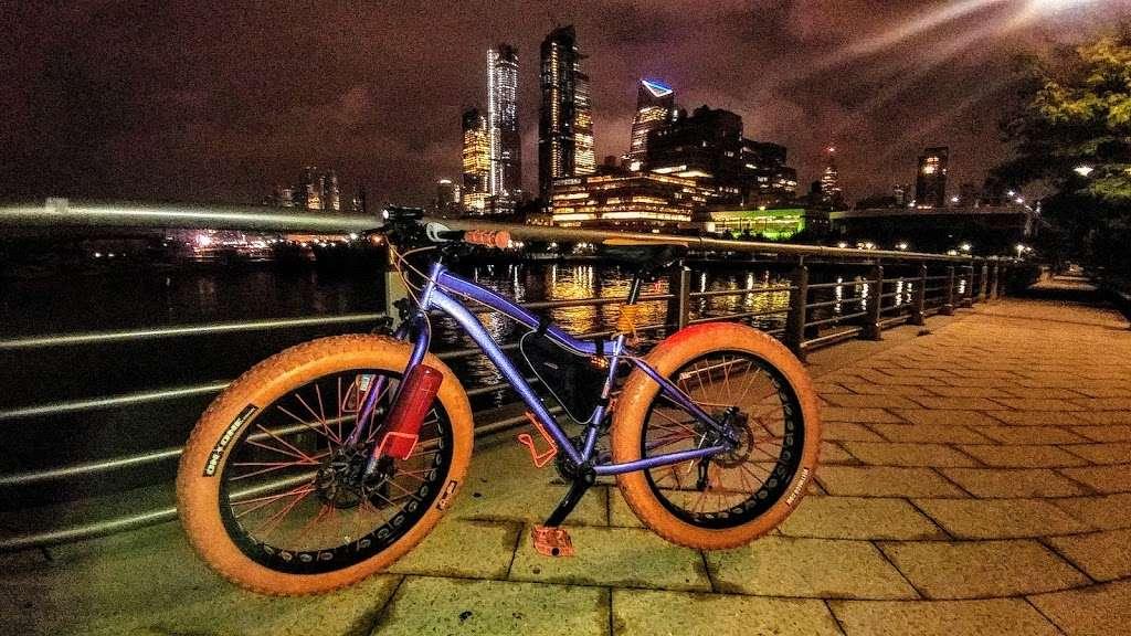 New York, Pier, Riverside Park - park  | Photo 8 of 10 | Address: New York, NY 10069, USA