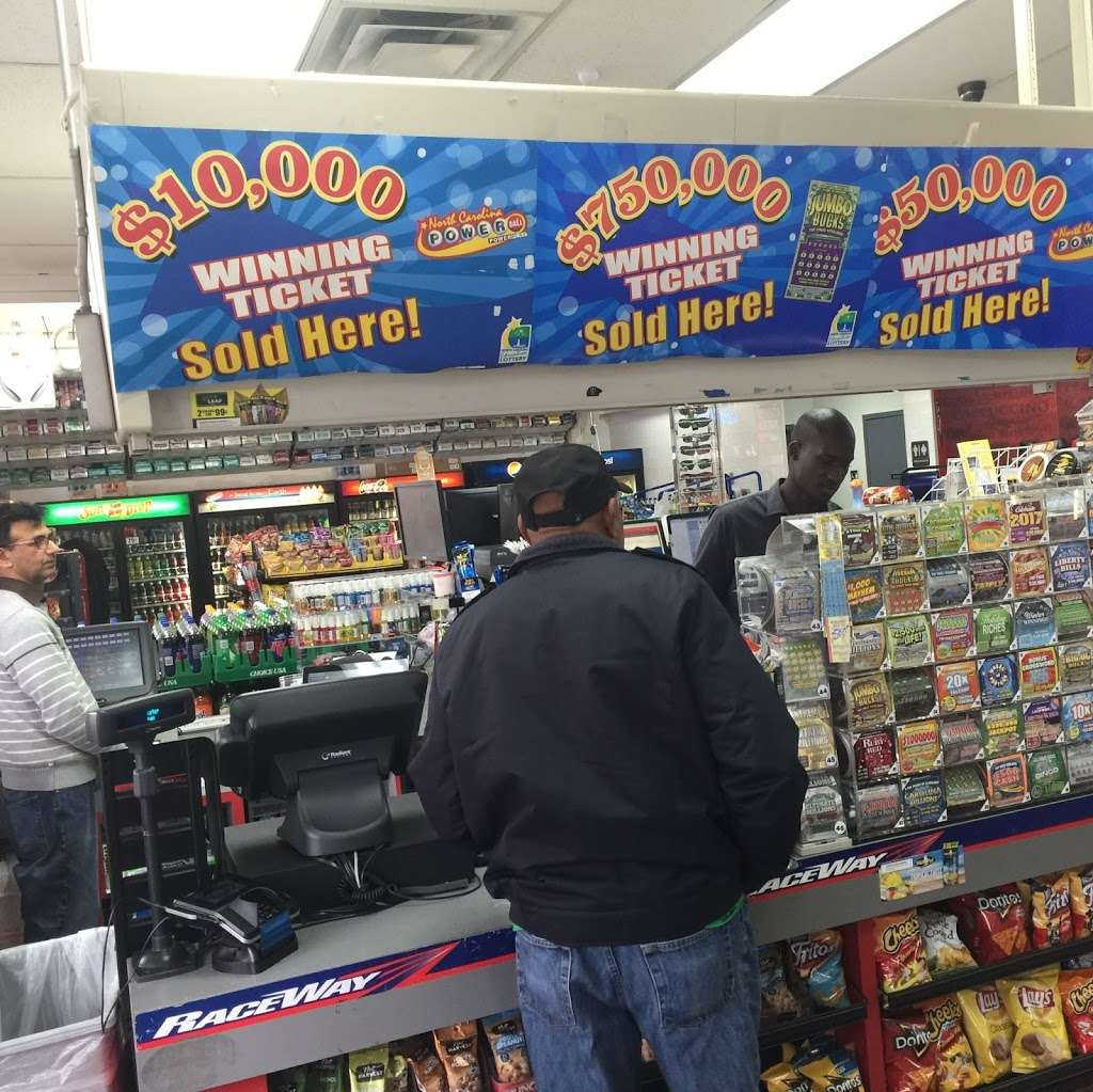 Raceway - convenience store  | Photo 5 of 10 | Address: 3815 Brookshire Blvd, Charlotte, NC 28216, USA | Phone: (704) 391-0071