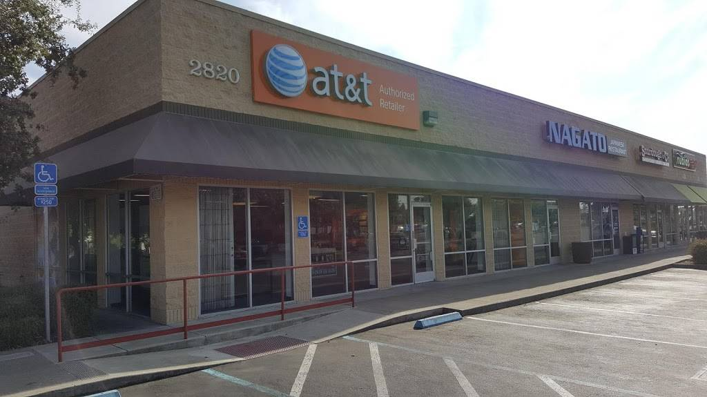 AT&T Store - electronics store  | Photo 7 of 10 | Address: 2820 Marconi Ave #3, Sacramento, CA 95821, USA | Phone: (916) 664-2869