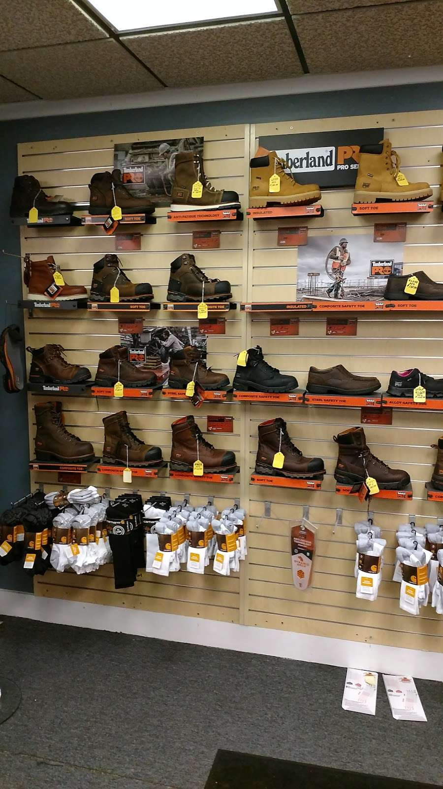 B & S Enterprises - clothing store    Photo 3 of 10   Address: 1280 Porter Rd, Bear, DE 19701, USA   Phone: (302) 834-8337