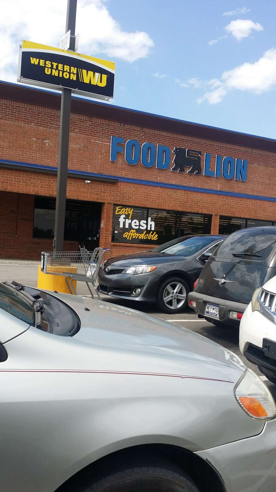 Food Lion - store  | Photo 1 of 10 | Address: 709 E McGregor St, Pageland, SC 29728, USA | Phone: (843) 672-7677