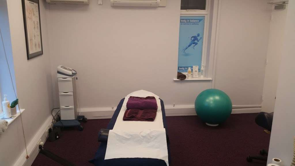 Orange Therapies - health  | Photo 8 of 10 | Address: Copthorne Rd, Copthorne, Crawley RH10 3SQ, UK | Phone: 07941 711092