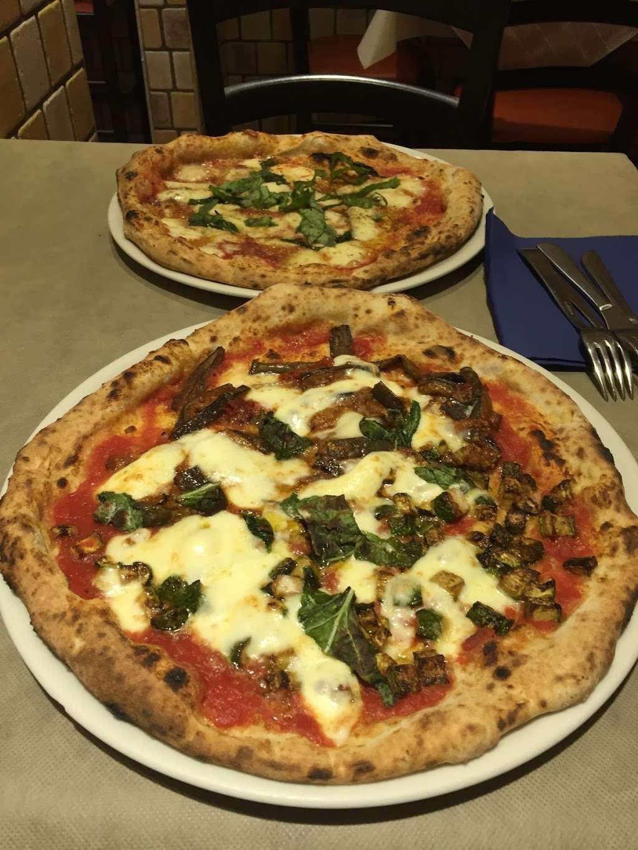 Pizzeria Di Camden - restaurant    Photo 6 of 10   Address: 195 Royal College St, London NW1 0SG, UK   Phone: 020 7284 3388