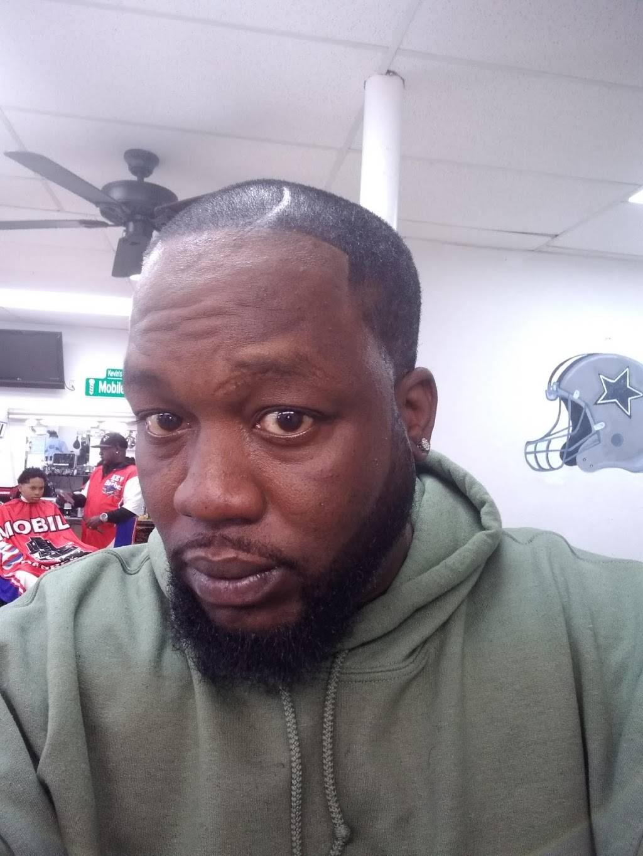 Jordans Barbershop - hair care  | Photo 5 of 5 | Address: 13697 E Iliff Ave, Aurora, CO 80014, USA | Phone: (303) 368-8682