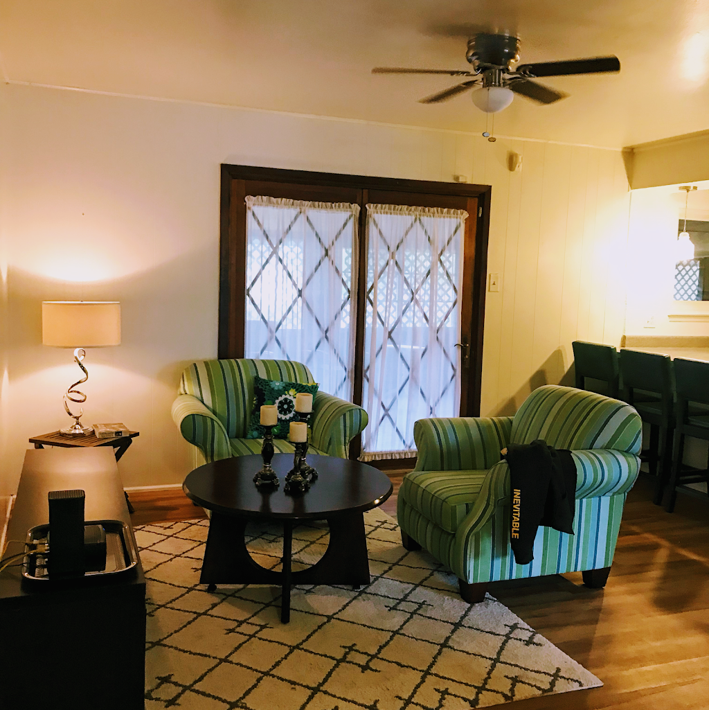 Live SNUG Rooms for Rent - Paradise Lackland AFB Training - lodging  | Photo 4 of 10 | Address: 110 Paradise Valley, San Antonio, TX 78227, USA | Phone: (210) 712-2121