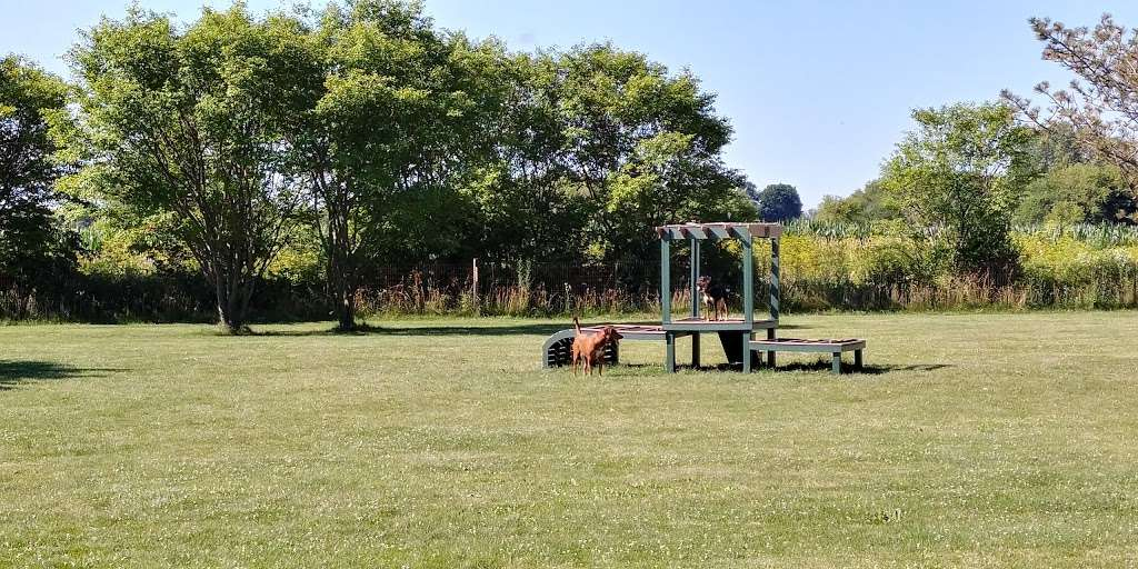 West Main Community And Bark Park - park  | Photo 1 of 10 | Address: 40W101 Main St, Batavia, IL 60510, USA | Phone: (630) 879-5235