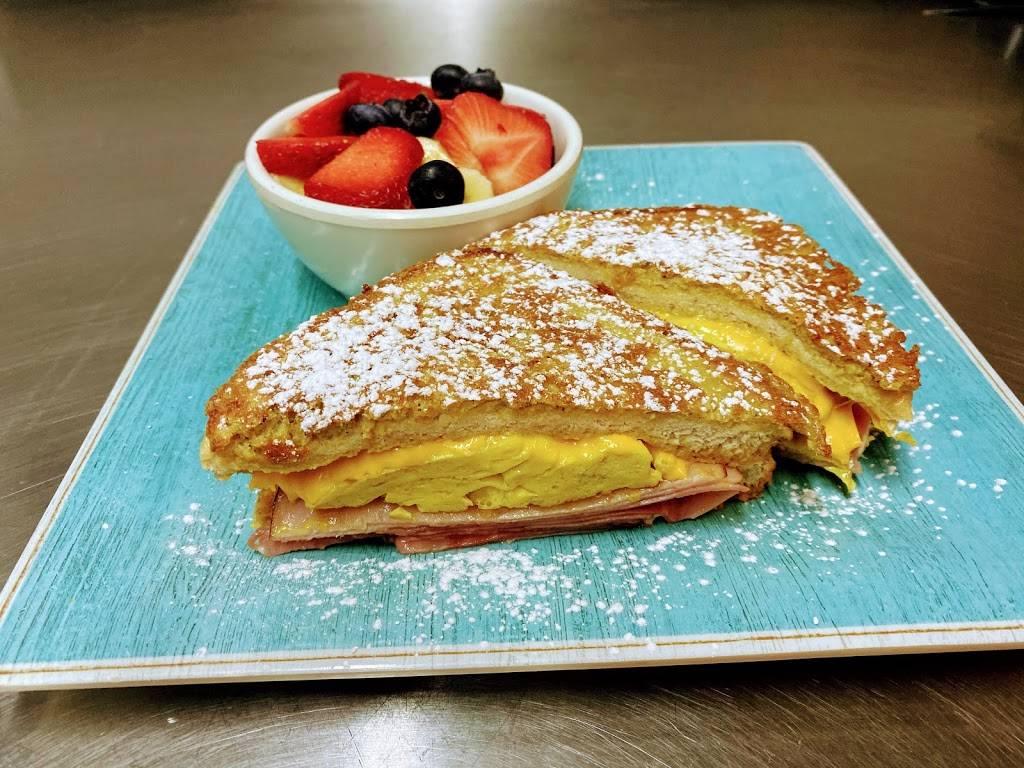 The Easy Egg Breakfast & Lunch - restaurant  | Photo 3 of 7 | Address: 240 N Main St STE 300, Haysville, KS 67060, USA | Phone: (316) 522-7570