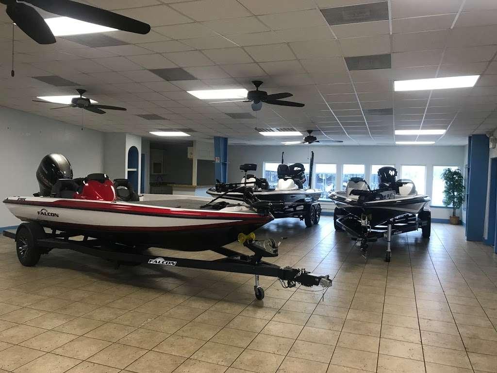 Big D Marine - store  | Photo 9 of 10 | Address: 17720 TX-105, Montgomery, TX 77356, USA | Phone: (936) 703-5026