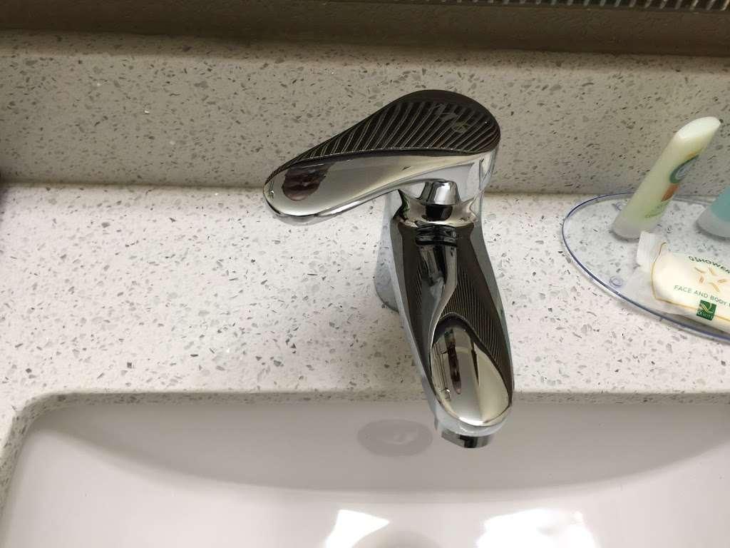 Daylight Property Management Maintenance & Upkeep - plumber  | Photo 8 of 10 | Address: 8825-8827 Mississippi St, Houston, TX 77029, USA | Phone: (504) 957-4931