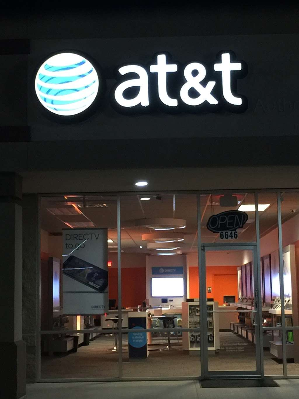 AT&T Store - electronics store  | Photo 9 of 10 | Address: 6646 Garth Rd, Baytown, TX 77521, USA | Phone: (281) 421-1900