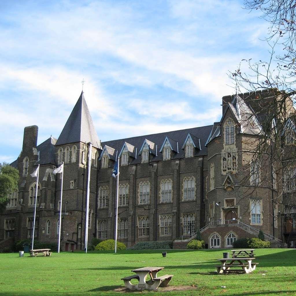 Virgo Fidelis Convent Senior School, 147 Central Hill, Upper Norwood,  London SE19 1RS, UK