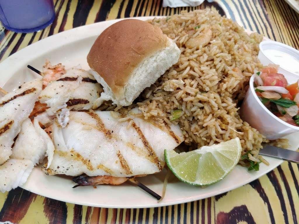 Mambo Seafood - restaurant  | Photo 9 of 10 | Address: 10810 North Fwy, Houston, TX 77037, USA | Phone: (281) 820-3300