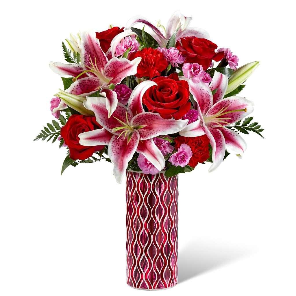 Stobbarts Nurseries Inc - florist    Photo 3 of 10   Address: 444 East Central Street, Franklin, MA 02038, USA   Phone: (508) 528-0800