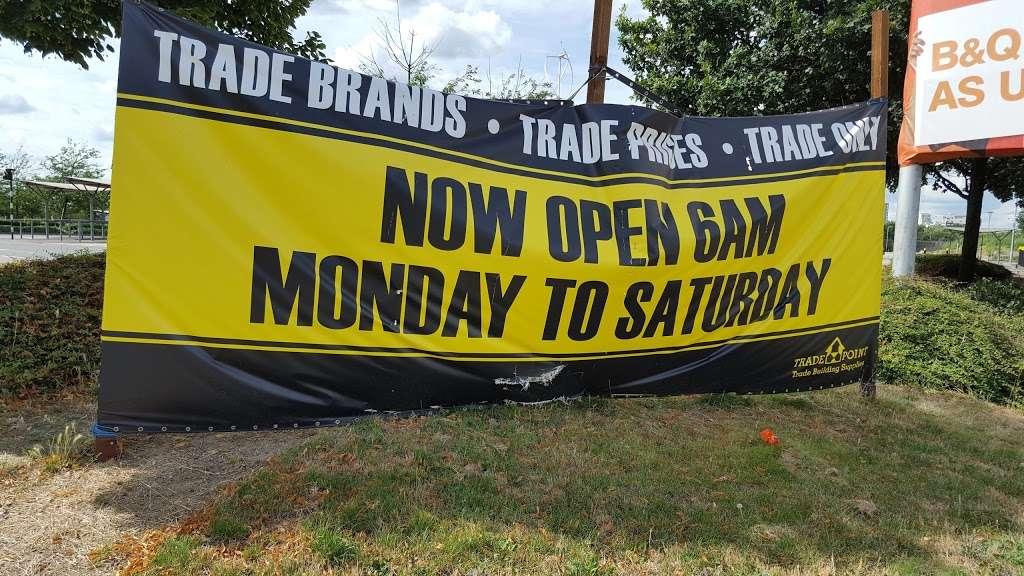 TradePoint - hardware store  | Photo 3 of 3 | Address: 59 Bugsbys Way, London SE10 0QJ, UK | Phone: 020 8312 8022
