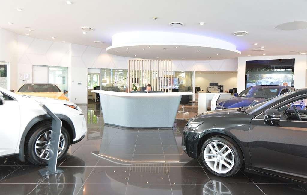 Lexus Croydon - car dealer  | Photo 9 of 10 | Address: 604 Purley Way, Croydon CR0 4RF, UK | Phone: 020 3733 8139