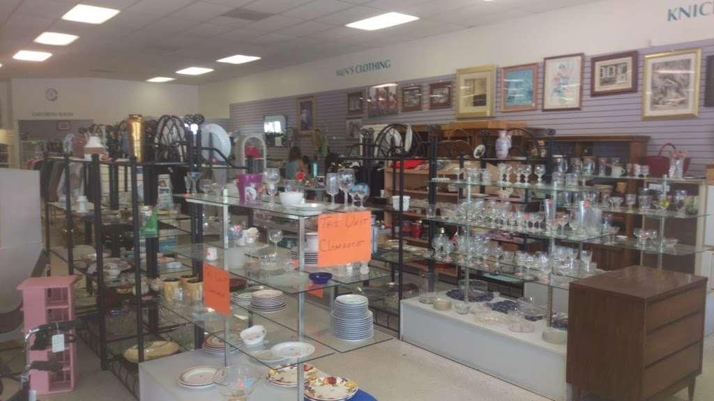 Halifax Health Hospice Resale Shop - store  | Photo 1 of 3 | Address: 876 Saxon Blvd, Orange City, FL 32763, USA | Phone: (386) 456-0240