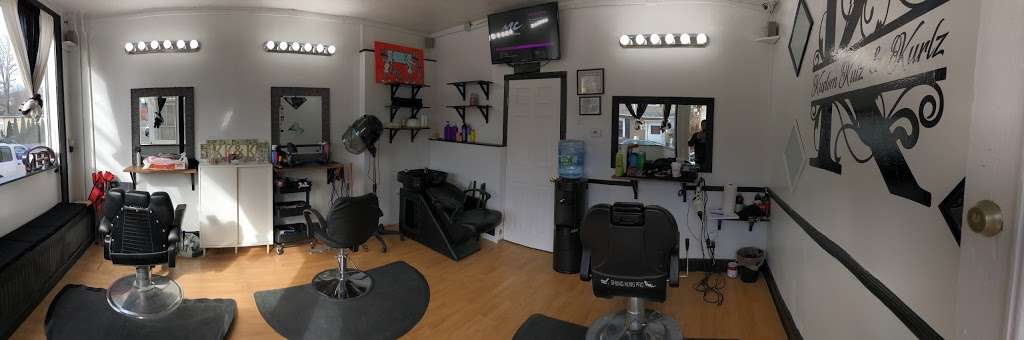 Kustom Kutz N Kurlz - hair care  | Photo 1 of 10 | Address: 21 Carpenter St, Glen Cove, NY 11542, USA | Phone: (516) 277-1997