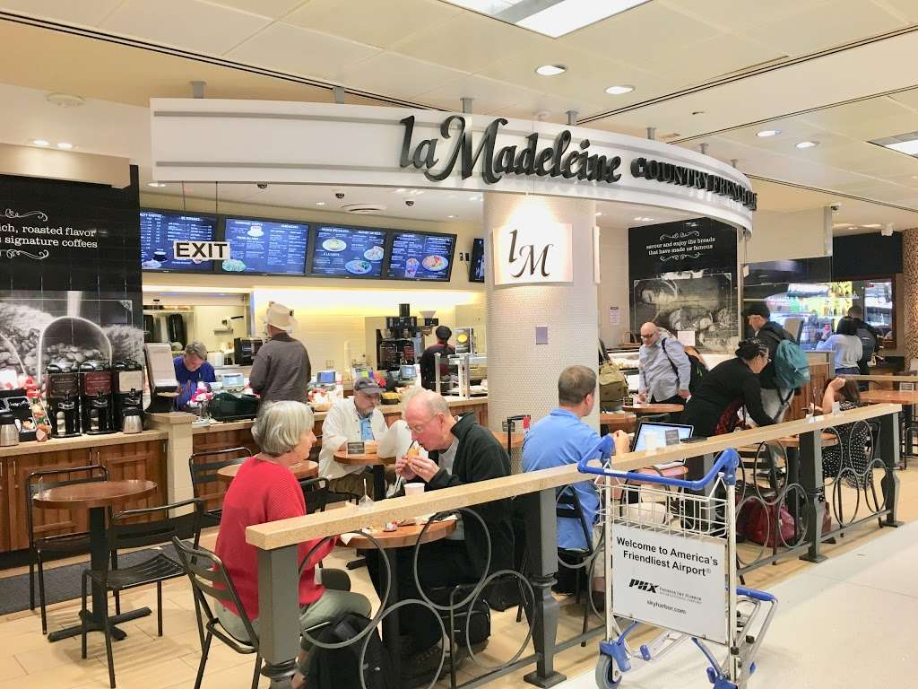 la Madeleine Country French Cafe - cafe    Photo 7 of 10   Address: 4140-4204 E Sky Harbor Blvd, Phoenix, AZ 85034, USA   Phone: (602) 275-6582