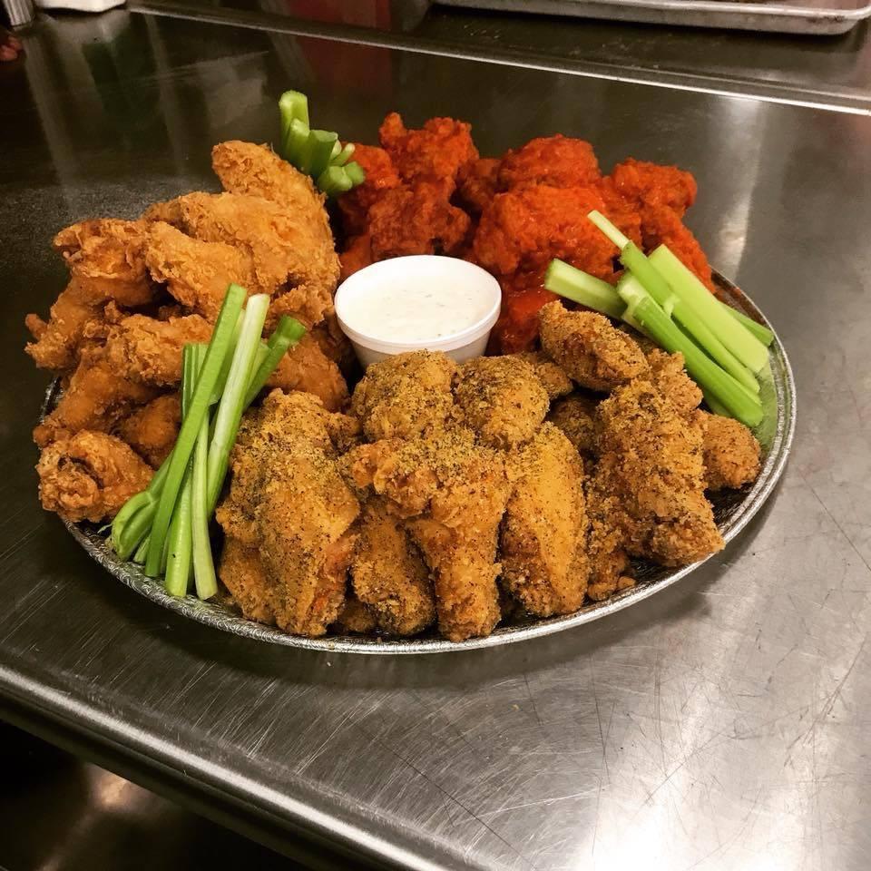 Lucretias Kitchen - restaurant  | Photo 2 of 9 | Address: 1812 W Muhammad Ali Blvd, Louisville, KY 40203, USA | Phone: (502) 294-8143