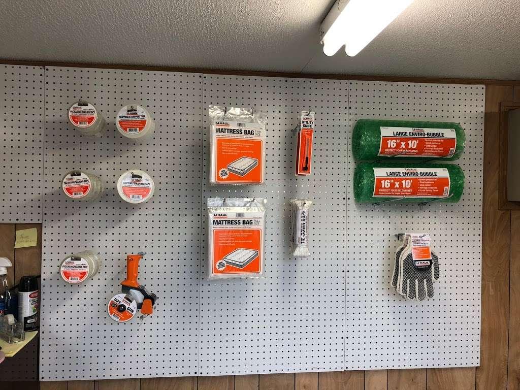 East Harlem Uhaul - store  | Photo 2 of 5 | Address: 409 E 119th St, New York, NY 10035, USA | Phone: (347) 745-5488
