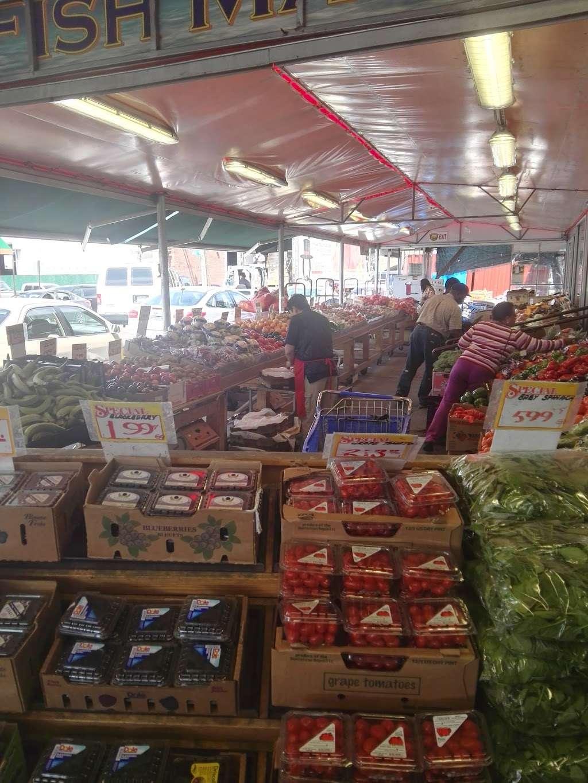 Gitto Farmers Market - store  | Photo 10 of 10 | Address: 38 N Market St, Brooklyn, NY 11236, USA | Phone: (718) 209-4587