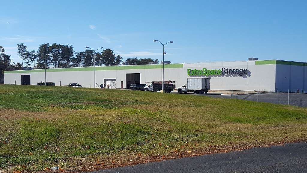 Extra Space Storage - moving company    Photo 6 of 10   Address: 8000 Telegraph Rd, Severn, MD 21144, USA   Phone: (443) 599-8161