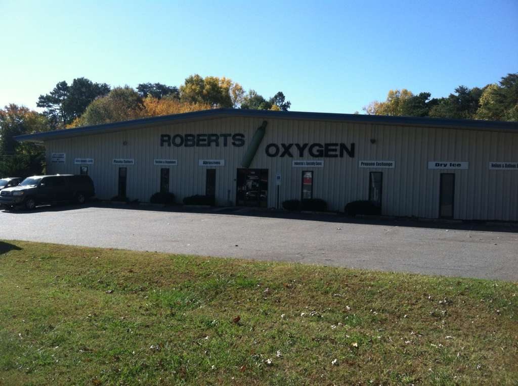 Roberts Oxygen - health    Photo 2 of 7   Address: 1206 Edgewood Rd, Bessemer City, NC 28016, USA   Phone: (704) 629-9898