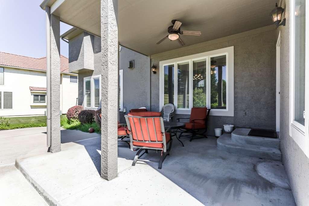 Overland Park Kansas Vacation Property - real estate agency    Photo 6 of 10   Address: 9711 W 145th Terrace, Overland Park, KS 66221, USA   Phone: (214) 713-3353