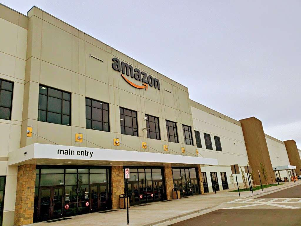 Amazon Fulfillment Center DEN3 - storage  | Photo 3 of 10 | Address: 14601 Grant St, Thornton, CO 80023, USA