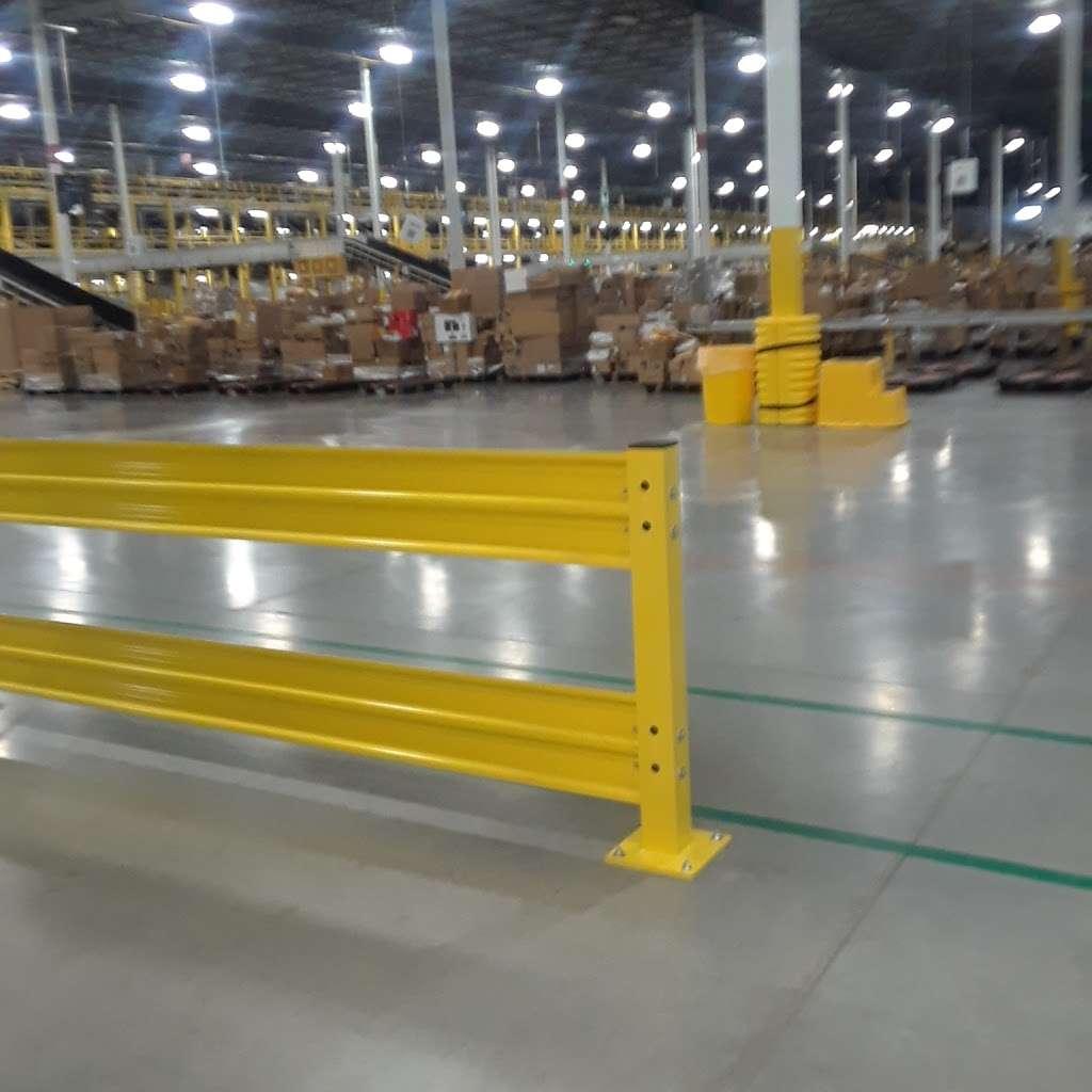 Amazon Sort Center - MDW5 - storage  | Photo 1 of 10 | Address: 16825 Churnovic Lane, Crest Hill, IL 60435, USA | Phone: (855) 728-4131