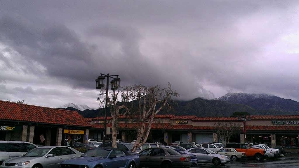Sunland Mall Shopping Center - shopping mall  | Photo 5 of 10 | Address: Sunland-Tujunga, CA 91040, USA