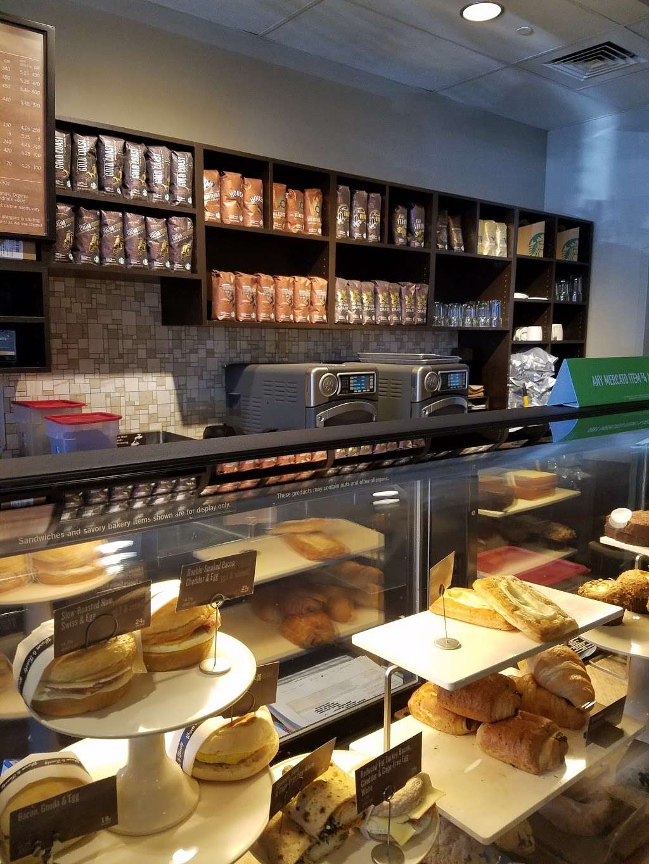 Starbucks - cafe  | Photo 2 of 9 | Address: 6768 W 95th St, Oak Lawn, IL 60453, USA | Phone: (708) 430-8903