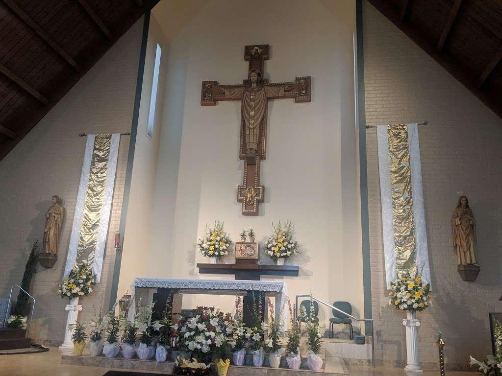 Saint Albert the Great Catholic Church - church  | Photo 3 of 10 | Address: 804 E Compton Blvd, Rancho Dominguez, CA 90220, USA | Phone: (310) 329-7548