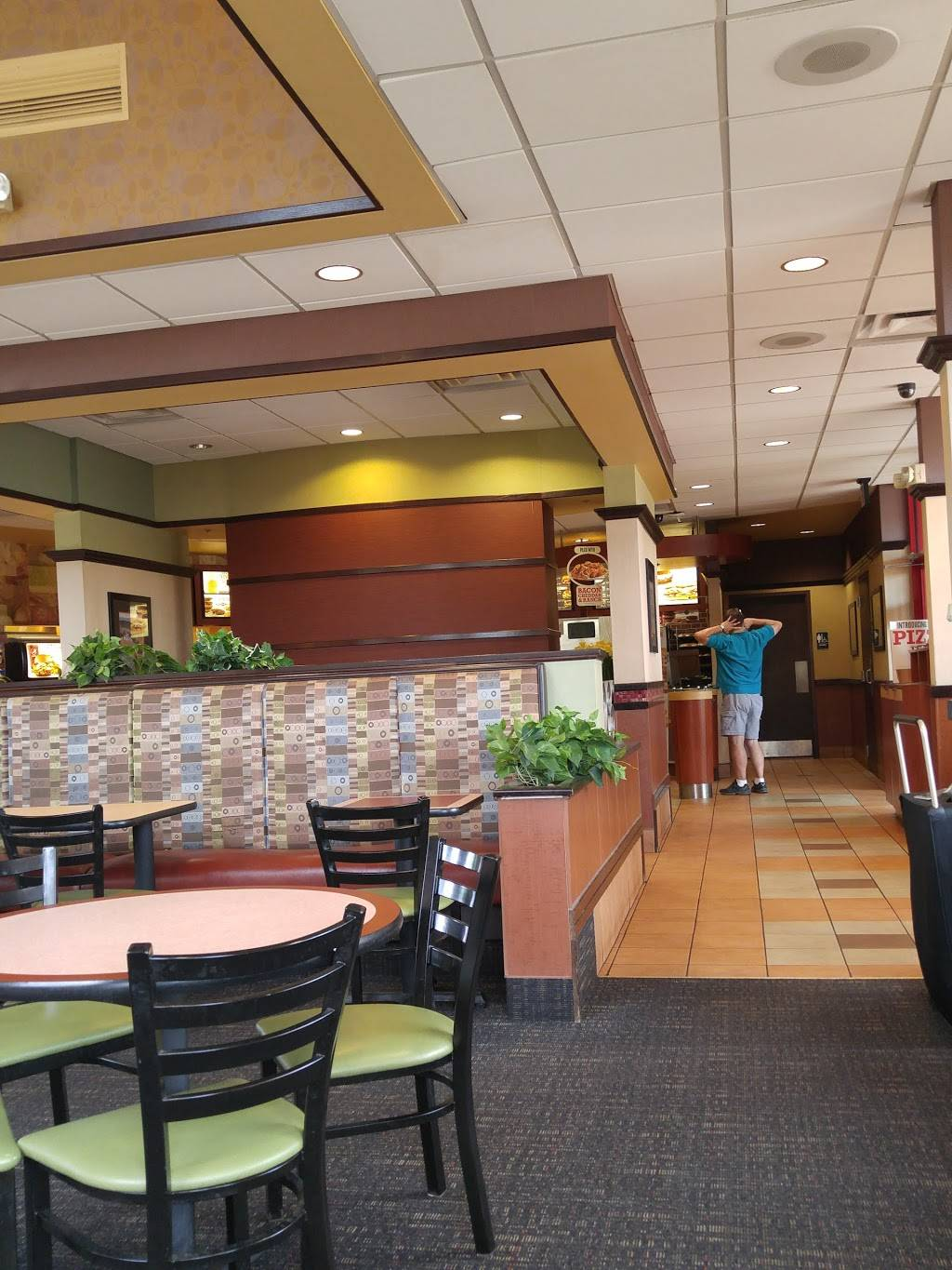 Arbys - meal takeaway    Photo 3 of 8   Address: 3000 Snelling Ave, Minneapolis, MN 55406, USA   Phone: (612) 724-8612
