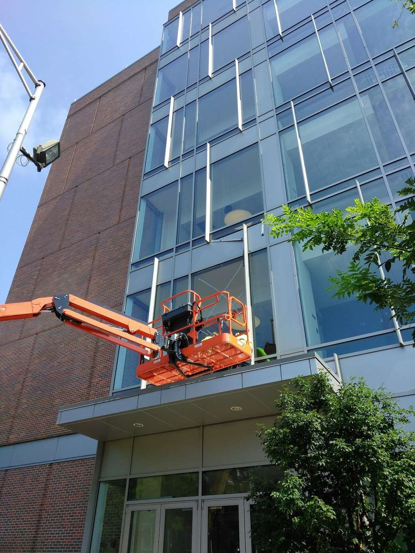 Raymond Glass Co Inc - car repair  | Photo 4 of 10 | Address: 311 Communipaw Ave, Jersey City, NJ 07304, USA | Phone: (201) 333-5446