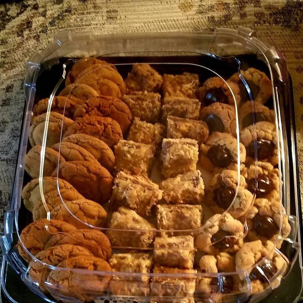 Money Mikes Hot Dogs LLC - meal takeaway  | Photo 3 of 10 | Address: E Redfield Rd, Gilbert, AZ 85234, USA | Phone: (480) 559-4735