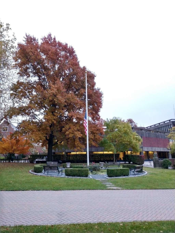 Wagner College - university  | Photo 6 of 10 | Address: 1 Campus Rd, Staten Island, NY 10301, USA | Phone: (718) 390-3100
