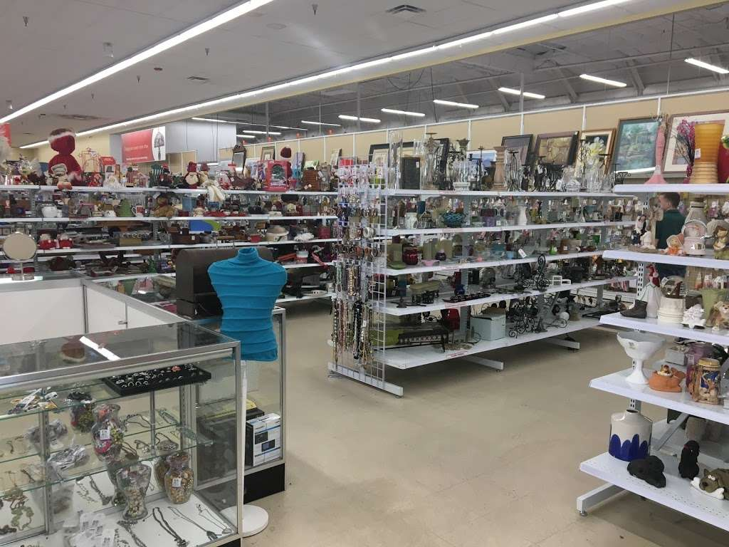 Savers - book store  | Photo 3 of 10 | Address: 9091 Garfield Ave, Fountain Valley, CA 92708, USA | Phone: (714) 963-0425