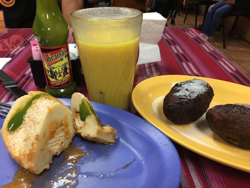Guatemala Restaurant - restaurant  | Photo 3 of 10 | Address: 3330 Hillcroft St, Houston, TX 77057, USA | Phone: (713) 789-4330