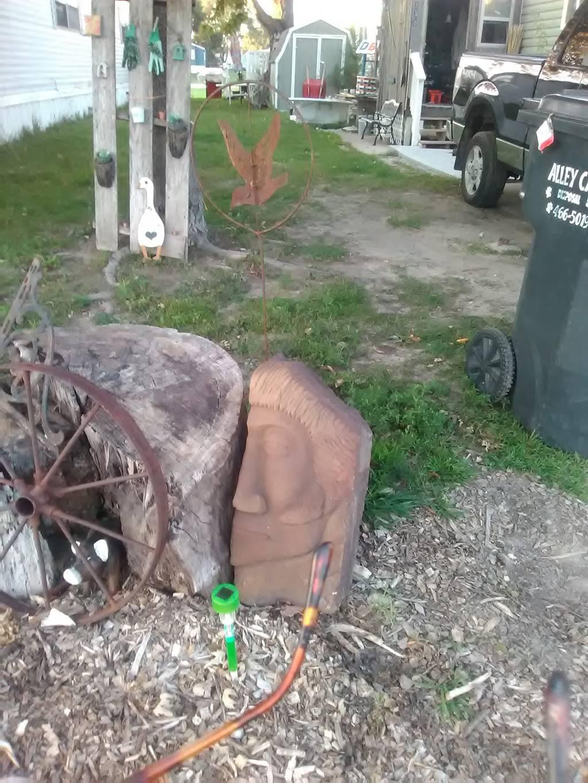 Heritage Oaks Mobile Home Park - rv park  | Photo 10 of 10 | Address: 2720 N 2nd St, Lincoln, NE 68521, USA | Phone: (402) 475-5572