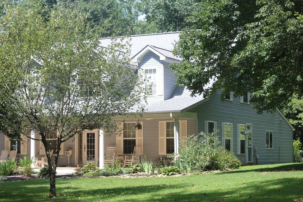 The Black Sheep Inn - lodging  | Photo 1 of 5 | Address: 14555 Lee Highway, Amissville, VA 20106, Amissville, VA 20106, USA | Phone: (540) 222-2021