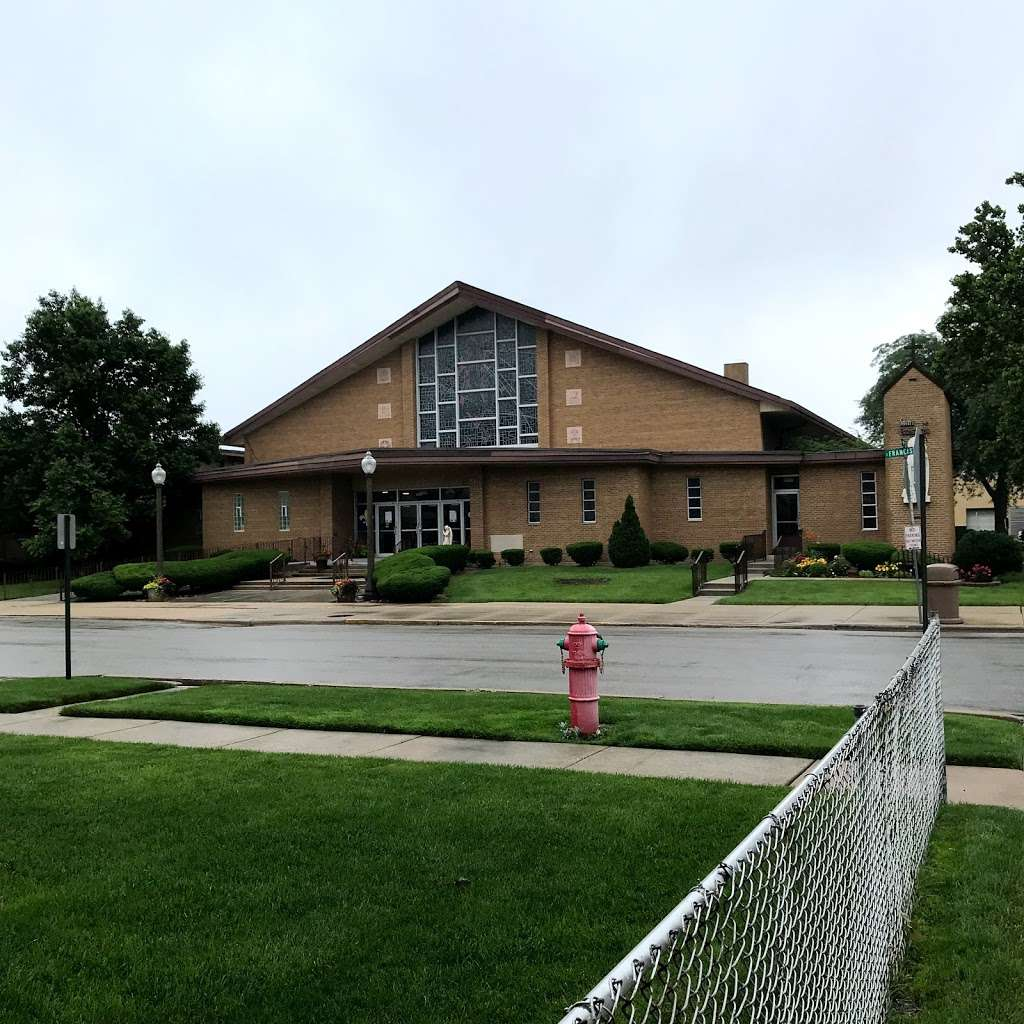 St. Bernadette Catholic Church - church  | Photo 7 of 10 | Address: 9343 S Francisco Ave, Evergreen Park, IL 60805, USA | Phone: (708) 422-8995
