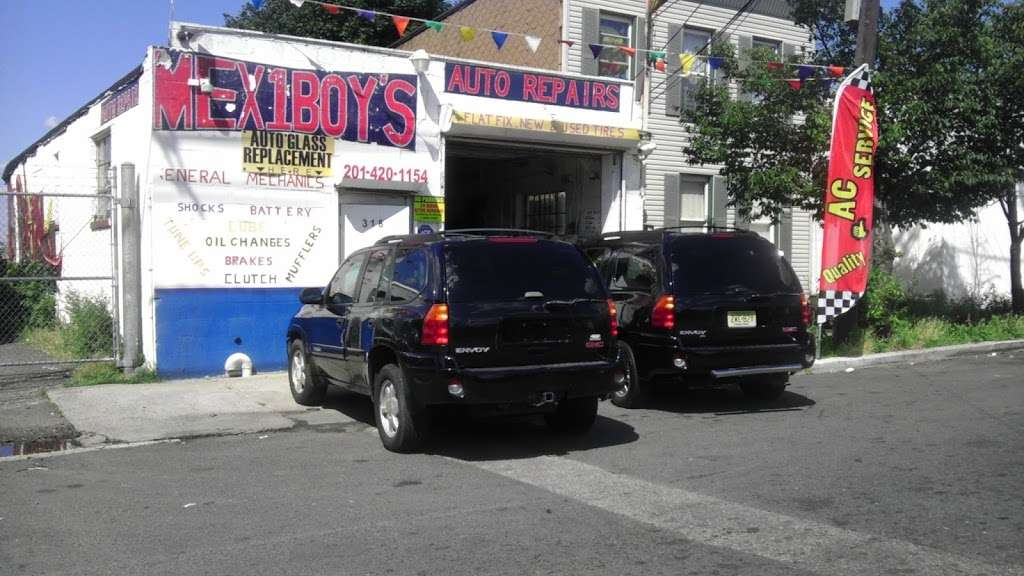 Mex 1 Boys auto repair - car repair  | Photo 7 of 10 | Address: 318 Manhattan Ave, Jersey City, NJ 07307, USA | Phone: (201) 420-1154