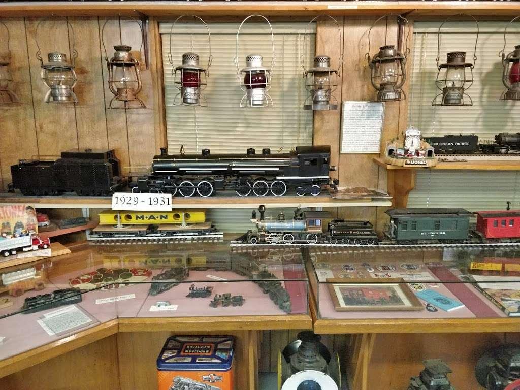 Adobe Mountain Train Museum - museum  | Photo 8 of 10 | Address: 23280 N 43rd Ave, Glendale, AZ 85310, USA | Phone: (623) 252-6871