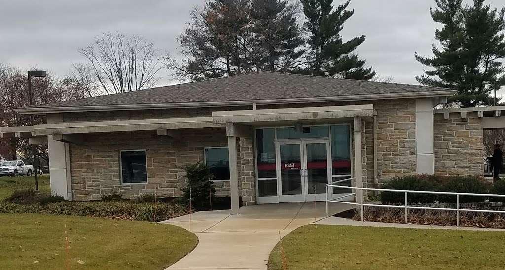 BB&T - bank  | Photo 2 of 5 | Address: 1300 W Main St, Ephrata, PA 17522, USA | Phone: (717) 733-7933