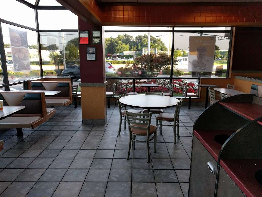 McDonalds - cafe  | Photo 3 of 10 | Address: 3049 NJ-38, Mt Laurel, NJ 08054, USA | Phone: (856) 778-9021